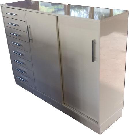 Buffet avec tiroirs